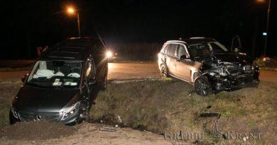 Auto's botsen op Zuidelijke Meentsteeg